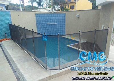 instalacao-cerca-removivel-piscina-grafite-varge-pequena
